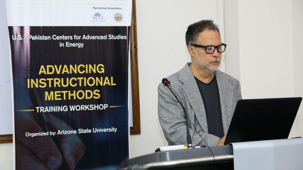 Dr. Peter Rillero teaches advanced instructional methods to USPCAS-E faculty
