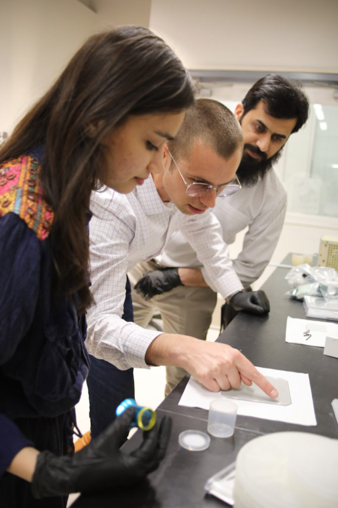 USPCAS-E Scholar Muneeza Ahmad in Dr. Zachary Holman's lab at ASU